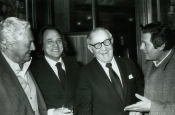 Dino Risi, Riz Ortolani, Benny Jork Goodman y Marcello Mastroianni