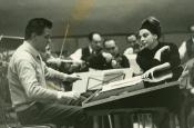 Riz y Katyna en el estudio de grabación